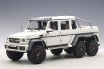 Mercedes Benz G63 AMG 6x6 2013 White 1:18 76303