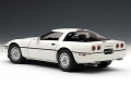 Chevrolet Corvette C4 1986 White 1:18 71243