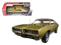 Pontiac GTO Hardtop Antique Gold 1969 1:18 AMM1081