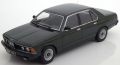 BMW 733i (E23) 1977 met dark green 1:18 180103